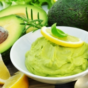 Táplál és ránctalanít- 4 ötletes recept avokádóval