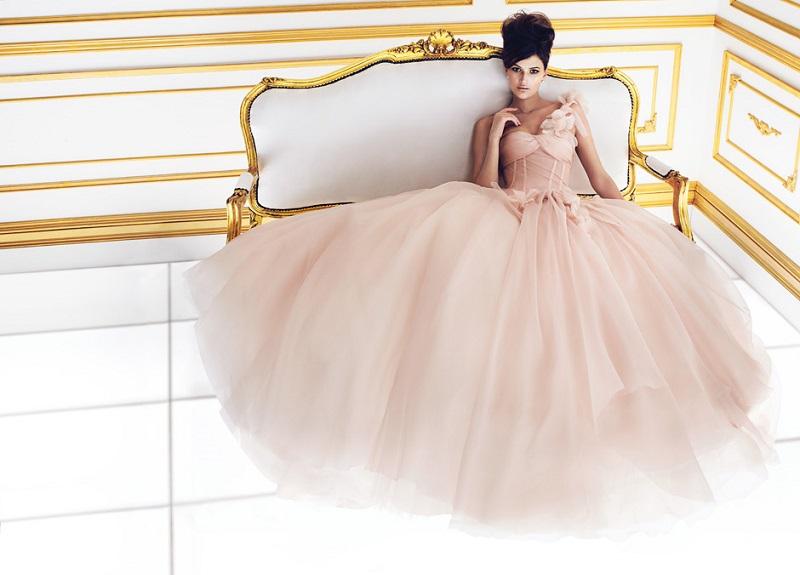 A legfurcsább esküvői ruha trendek 2013-ban - Life magazin … d41cd32e5c