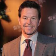Mark Wahlberg bemutatja az új Transformers mozit!
