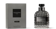 A Valentino Uomo Intense a szépség világába kalauzolja el a Valentino férfit