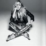 Ellie Goulding cipőkollekciója tavaszra a boltokban!