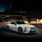 Újabb díjat zsebelt be a Lexus hibrid sportkupéja