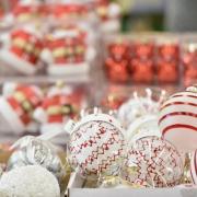 Pasztell díszekkel és natúr ajándékokkal lesz teljes az idei karácsony