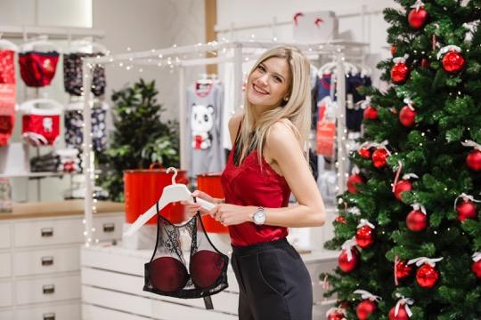 Weisz Fanni mutatta be a karácsonyi kollekciót
