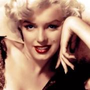 Bámulatos divatereklyék a szegedi Marilyn Monroe kiállításon!