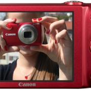 Dögös piros fényképezőgépet teszteltünk! Csííííz!!