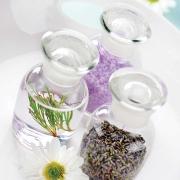 A gyógynövények erejével: bodorrózsa, teafaolaj és borsmenta