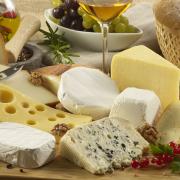 Ma van a sajtok világnapja! Sokat eszünk, de nem eleget!