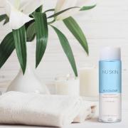 Zárd a napot gyengéd tisztítással a Nu Colour®  Waterproof Makeup Remover-rel!