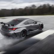 Itt a Lexus RC F track edition