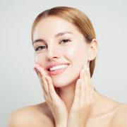 4 dolog, amit megtehetsz a hidratált arcbőrért!