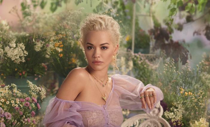Rita Ora újra elkápráztat minket