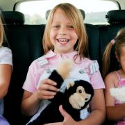 Ezekkel a játékokkal lekötheted gyermeked figyelmét utazás közben